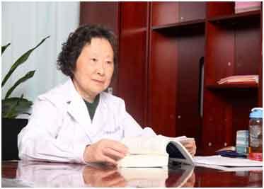 上海治肝专家金晓燕主任莅临河南省医药院附属医院亲诊,患者一致好评